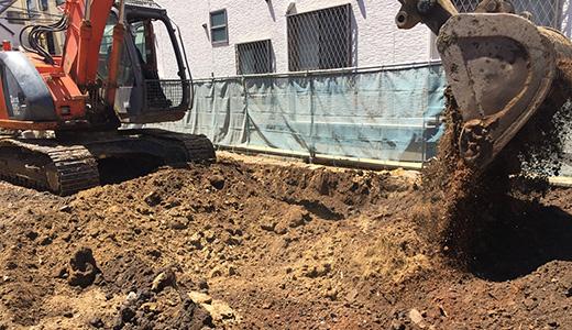 地中埋設物確認作業